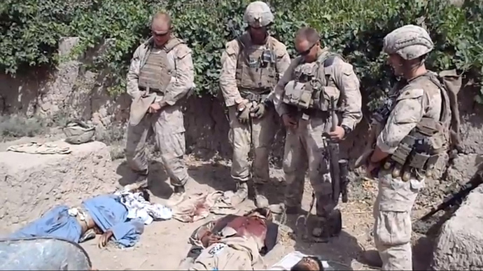 afghanistan-us-soldiers-uri.si Pissin on the Body of a dead Afgan